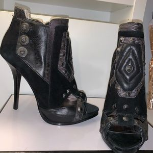 Guess by Marciano Sexy booties Sz6